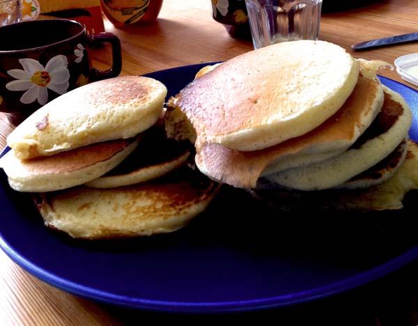 Lyxig frukost med amerikanska pannkakor