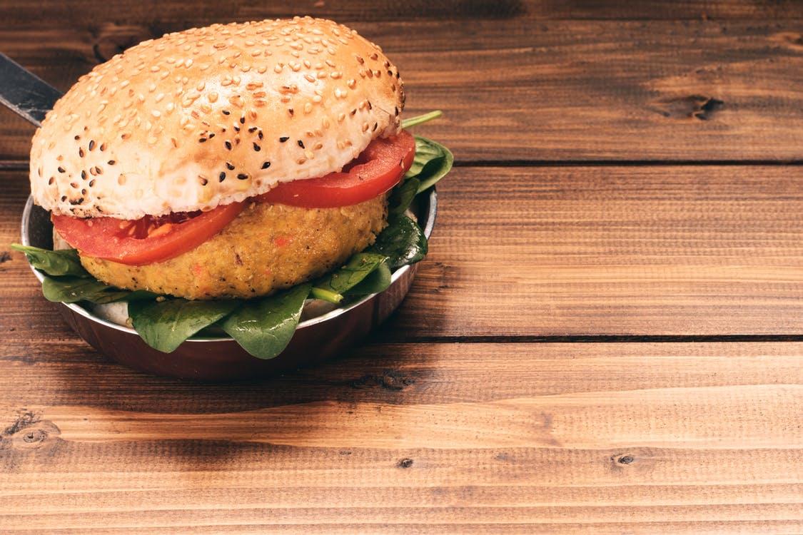 Bönbiffar – så gör du egna vegetariska hamburgare
